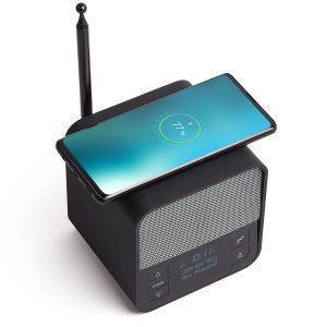 Sveglia, altoparlante Bluetooth® caricabatterie per smartphone wireless.